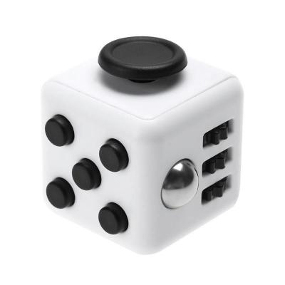 Fidget Cube - Vit/Svart